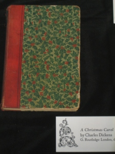 Charles Dickens: A Christmas Carol miniature book