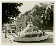 Bakers Union float, Tournament of Roses Parade, January 1951