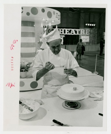 Cake demonstration, no date.