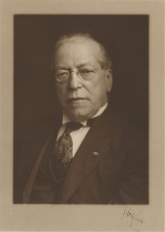 Portrait of AFL President Samuel Gompers, 1914, UBCJA archives.
